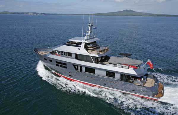 The 112-foot (34.1-meter) motoryacht VvSI cruising off Auckland