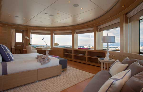 owner's-cabin-Owner's-deck-IMG_5358x600